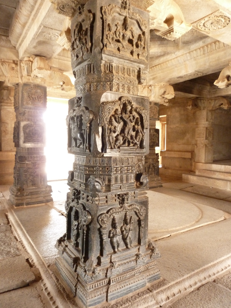 The rarely used black Cuddappa stones create an extraordinary effect on the pillars outside the inner sanctum of the temple.